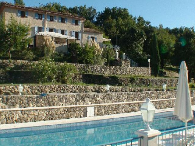 Guest house grasse provence alpes-maritimes cannes Nice Antibes smiming-pool le relais du peyloubet 5