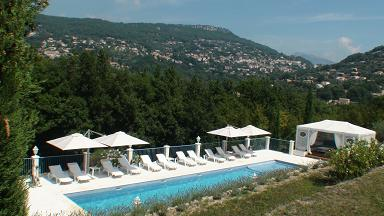 Guest house grasse provence alpes-maritimes cannes Nice Antibes smiming-pool le relais du peyloubet pool 1