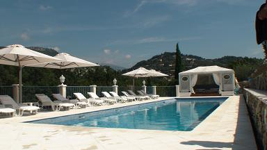 Guest house grasse provence alpes-maritimes cannes Nice Antibes smiming-pool le relais du peyloubet pool 3